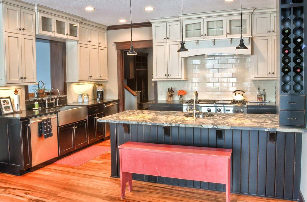 Why Should You Consider Custom vs. Generic Kitchen Cabinets?